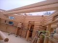 закладывание несущих балок  в деревянном доме