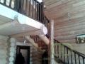 Бревенчатая лестница, в деревянном доме